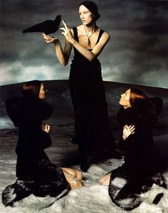 Love this 1998 Versace campaign photographed by Steven Meisel. It has always reminded me of Botticelli.