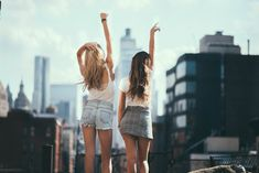 ≪pinterest//rachelascanio≫ Best Friend Pictures, Bff Pictures, Carlson Young, Good Vibe, Artsy Photos, Cute Poses, Gal Pal, Best Friend Goals, Best Friends Forever