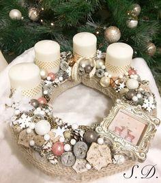 Christmas Advent Wreath, Christmas Calendar, Gold Christmas, Holiday Wreaths, All Things Christmas, Winter Christmas, Christmas Crafts, Holiday Decor, Advent Wreaths