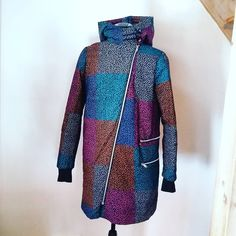 This #coat is made by me for me (for a change!)  The fabric is an old bedcover, I think from #marimekko.  #springcoat #slowfashion #recycle #eco #ecodesign #ompeluelämää #retrotyg #saaratalvo #sewing #saumanvara