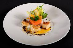 Chefs, Michelin Star Food, Recipe Sites, Le Chef, Culinary Arts, Food Presentation, Food Plating, Food Design, Food Styling