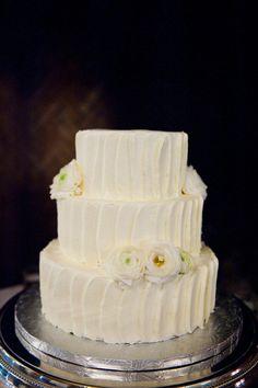 I love rustic, simple cakes.