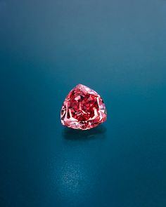 The Moussaieff Red has an incredibly rare color. Only a handful of Fancy red diamonds are known, because in diamonds the color red is often modified with another hue, such as purplish red or orangy red. It's also big for a red diamond: it weighs 5.11 carats; it was cut from a 13.90-carat crystal.