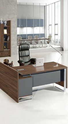 Office Decor Ideas for your productive work. Come to take a look and upgrade your office decor. Your office life will never be the same. Small Office Design, Office Table Design, Office Furniture Design, Office Interior Design, Office Interiors, Office Decor, Modern Furniture, Commercial Office Design, Decoration