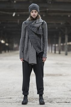 Daniel Andresen, Womens Autumn Winter 2015-16 Lookbook http://blog.cruvoir.com/daniel-andresen-womens-autumn-winter-2015-15-lookbook/