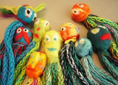 Helmi Coenders: Knitting with children of group 5