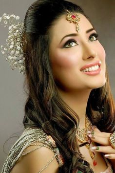mehwish-hayat-new-photos-03