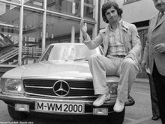 Gerd Müller and his Mercedes Benz 450 SLC 08.07.1974
