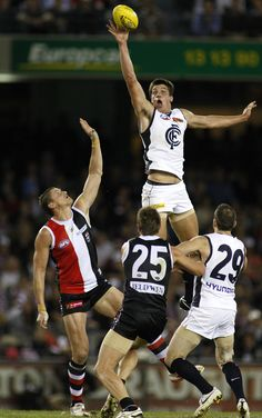 Winning a hitout over St Kilda's Michael Gardiner during the 2010 Round 7 match against St Kilda at Etihad Stadium.