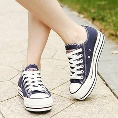 Buy Renben Canvas Platform Sneakers at YesStyle.com! Quality products at remarkable prices. FREE WORLDWIDE SHIPPING on orders over US$ 35.