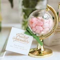 How awesome are these mini globes!? Fill them with an edible treat or a paper gift to give your guests as favors. Fitting for the couple who likes to travel or who chose a destination wedding venue!