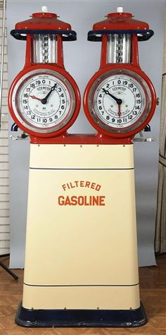 Start your checkbooks: Famed collection of vintage gas signs, pumps for sale in Pennsylvania Old Gas Pumps, Vintage Gas Pumps, Auto Supply, Pompe A Essence, American Pickers, Gas Service, Truck Signs, Old Gas Stations, Custom Garages