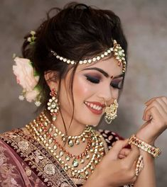 Hochzeit Brides who Nailed the 'Smokey Eye' Makeup Look & How you can too! Alpi , Brides who Nailed the 'Smokey Eye' Makeup Look & How you can too! [ Brides who Nailed the 'Smokey Eye' Makeup Look & How you can too! Indian Wedding Makeup, Bridal Eye Makeup, Indian Wedding Bride, Bridal Makeup Looks, Bride Makeup, Indian Weddings, Bridal Beauty, Bridal Looks, Indian Bridal Jewelry