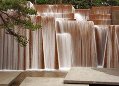 Lawrence Halprin // Ira Keller Fountain El ruido del agua al caer es hermoso, como una cascada interminable, me gusta
