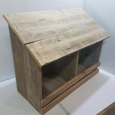 🔥 [TALK TO US] =>  If you are crazy in love with  Deep clean chicken coop , i'm with you.Many people learnt a hard way while building a simple coopfor their chickens because  they don't know this hack,click on the link to reveal it today. This will be deleted by Friday this week Chicken Laying Boxes, A Frame Chicken Coop, Chicken Boxes, Chicken Coop Pallets, Chicken Nesting Boxes, Easy Chicken Coop, Clean Chicken, Chicken Pen, Chicken Coop Plans