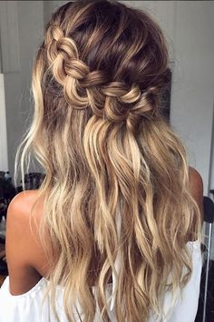 We just can't get enough of these braided hairstyles photo by @emmachenartistry
