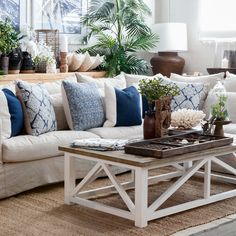 This would be a great idea for a Hamptons retreat. Hamptons Living Room, Hamptons House, My Living Room, Home And Living, Lounge Cushions, Nautical Cushions, Blue Cushions, Hamptons Style Decor, Hamptons Style Bedrooms