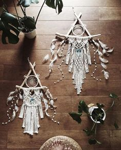 best 25 macrame wall hanging diy ideas on Macrame Art, Macrame Projects, Craft Projects, Projects To Try, Los Dreamcatchers, Diy And Crafts, Arts And Crafts, Homemade Crafts, Summer Crafts
