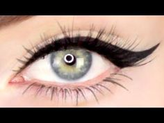Here's 10 Tricks to get the Perfect Winged Eyeliner Every Time! Winged Eyelin… Here's 10 Tricks to get the Perfect Winged Eyeliner Every Time! Winged Eyeliner Tutorial for Beginners! Eyeliner For Hooded Eyes, Perfect Winged Eyeliner, Winged Eyeliner Tutorial, Cat Eyeliner, How To Apply Eyeliner, Winged Liner, Eyeliner Ideas, Eye Tutorial, Simple Eyeliner Tutorial