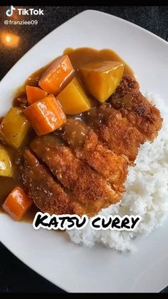 Do you like Japanese food especially Katsu curry? Did you know that it is very easy to make at home? If you are interested in learning more about this recipe, you should watch this Easy Japanese Katsu Curry Recipe Food TikTok by @franziee09 and try cooking this at home for lunch or dinner Tasty Videos, Food Videos, Katsu Curry Recipes, Tastemade Recipes, Asian Recipes, Healthy Recipes, Japanese Food, Japanese Curry, Diy Food