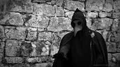 Resultado de imagem para mascaras da peste negra