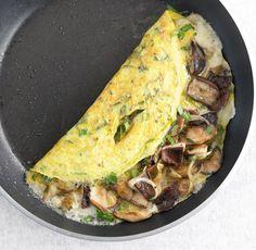 Cheese and omelette mushrooms - zuckerfrei - Mushroom Recipes Mushroom Recipes, Veggie Recipes, Cooking Recipes, Healthy Recipes, Healthy Eating Tips, Clean Eating, Mushroom Omelette, Food Trucks, Frittata