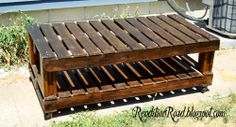 Rendition Road: Pallet Coffee Table & A Great Staining Tip (I Must make one of these)