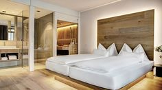 Bester Komfort - Zimmer und Suiten im Seehotel Bellevue in Zell am See Hotel Bellevue, Zell Am See, Top Restaurants, Hotel Offers, Modern, Relax, Luxury, Bed, Sauna