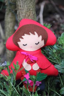 Free Felt Little Red Riding Hood Plushie Toy Sewing Pattern / Template