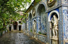 Azulejos (Portuguese tile from 17th century), at the Palácio dos Marqueses de Fronteira and chapel from 1584; at Gardens of Portugal, photo by Karl Gercens