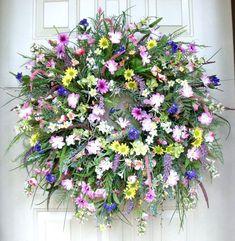 Outdoor Summer Fun by Vicki Large on Etsy Diy Spring Wreath, Diy Wreath, Deco Mesh Wreaths, Door Wreaths, Easter Wreaths, Christmas Wreaths, How To Make Wreaths, Belle Photo, Summer Fun