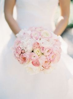 Pale Pink and White Bouquet | photography by http://www.carolinetran.net/