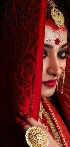 Image may contain: 1 person, closeup and indoor Bengali Bridal Makeup, Indian Bridal Fashion, Bridal Makeup Looks, Bride Makeup, Wedding Makeup, Indian Wedding Bride, Bengali Wedding, India Wedding, Indian Photoshoot