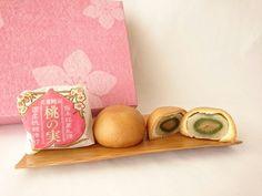 神奈川県のおみやげ「乳菓饅頭 桃の実」についての特徴、食べてみた感想をブログ記事で紹介しているページです。おみやげの中身写真、原材料、賞味期限、販売場所の詳細もあります。