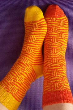 Ravelry: Mosaic Marbles Socks pattern by Kirsten Hall Crochet Socks, Knitting Socks, Hand Knitting, Knit Crochet, Knitting Patterns, Crochet Patterns, Knit Stockings, Wool Socks, Yarn Shop