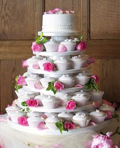WEDDING CUPCAKES WITH FRESH ROSES -->Wedding Cakes With Fountains And Stairs Pictures