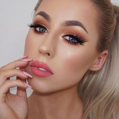 Have you guys seen this tutorial yet? Link in my bio. B r o w s: @anastasiabeverlyhills Dip Brow Taupe #abhbrows @gerardcosmetics Brow Bar to Go - Blonde to Brunette E y e s: @makeupgeekcosmetics Eyeshadows Mirage Peach Smoothie Morocco Country Girl Americano Corrupt Magic Act Flame Thrower Curfew #makeupgeekcosmetics Orchid Full Spectrum Liner Pencil #gerardcosmetics Eternal Liquid Liner @LimeCrimemakeup Citreuse Liquid Liner L a s h e s: @HouseofLashes Iconic #houseoflashes B a s e…