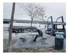 Kozó Attila fotóin az autópályák melletti lelketlen terek - 1. kép