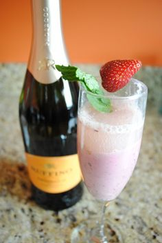 Ruffino Prosecco Smoothie   That sounds awesome!!