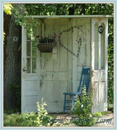 Using old doors for garden structures .. hubbs will be making me this in the spring, yep, yep, he will.