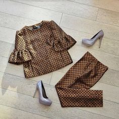 Жакет,18 790 руб.; брюки, 10 460 руб.; все -  RED Valentino; туфли, 20 030 руб., Le Silla.