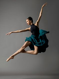 Courtney.Lavine.ABT.2.ballet.pointe.dance-photography.nyc.dance-photographer.ballerina.jpg (844×1140)