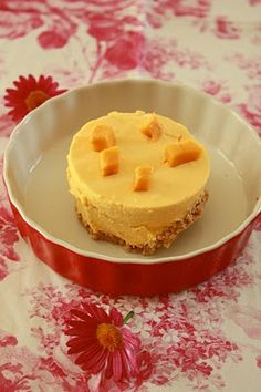 Mango Pie/Mango Cheese Cake Made Mango Pie/ Mango Cheesecake however you call over the weekend. I was so glad that everyone liked it. Cookie Desserts, Just Desserts, Delicious Desserts, Mango Desserts, Mango Pie, Mango Cheesecake, Mango Recipes, Pie Recipes, Dessert Recipes