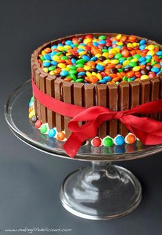 M&M & KitKat Cake -- decorating at its finest! (and easiest and tastiest! Best Dessert Recipes, Fun Desserts, Delicious Desserts, Cake Recipes, Cake Cookies, Cupcake Cakes, Jello Cookies, Candy Cakes, Sandwich Cookies