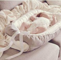 Emmies babynest och amningskuddar i unik design och finaste kvalitet