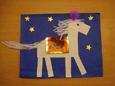 Výsledek obrázku pro už martin na bílém koni text Christmas Crafts For Kids, Christmas Holidays, Chateau Moyen Age, St Lucia Day, Diy Paper, Paper Crafts, Diy And Crafts, Arts And Crafts, Origami