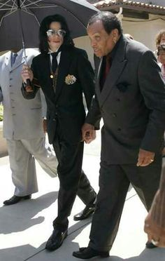 MJ & Joseph. 2005 Trial.