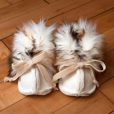 Faux fur baby boots boy or girlsoft white and bybrindilleandtwig