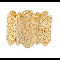 1 HOUR SALE!!! Gold Filigree Bracelet Gold textured filigree stretch bracelet. Jewelry Bracelets