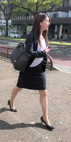 Japanese Office Lady, Suits For Women, Sexy Women, Tight Suit, Professional Wear, Girls In Leggings, Office Attire, Office Looks, Office Ladies